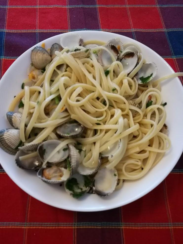 spaghetti-cockles